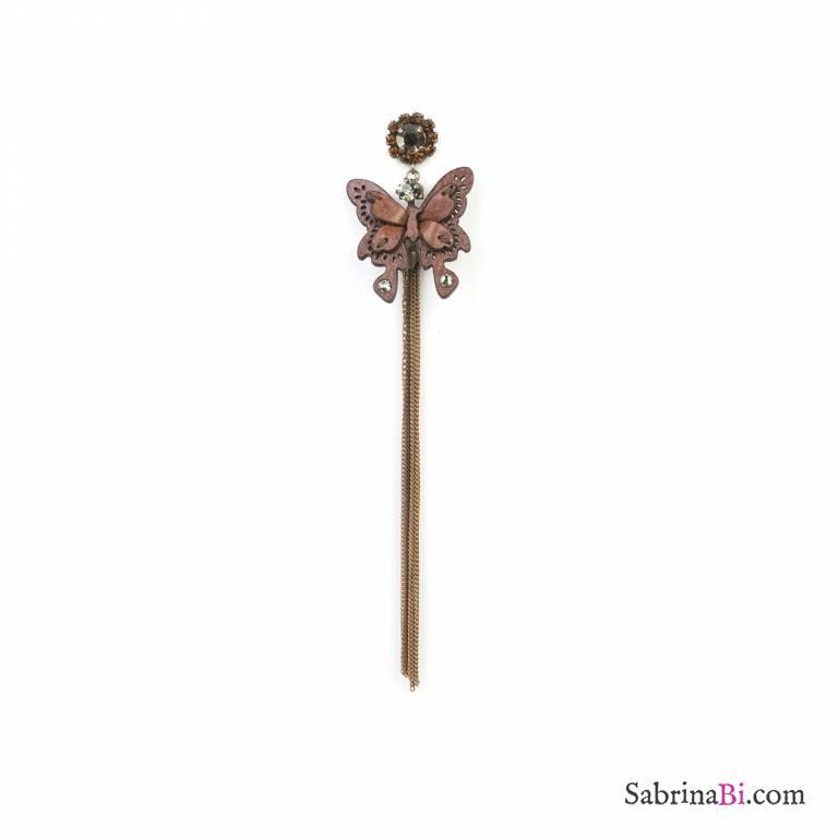 Mono-orecchino con farfalla in pelle e lunghe catene pendenti
