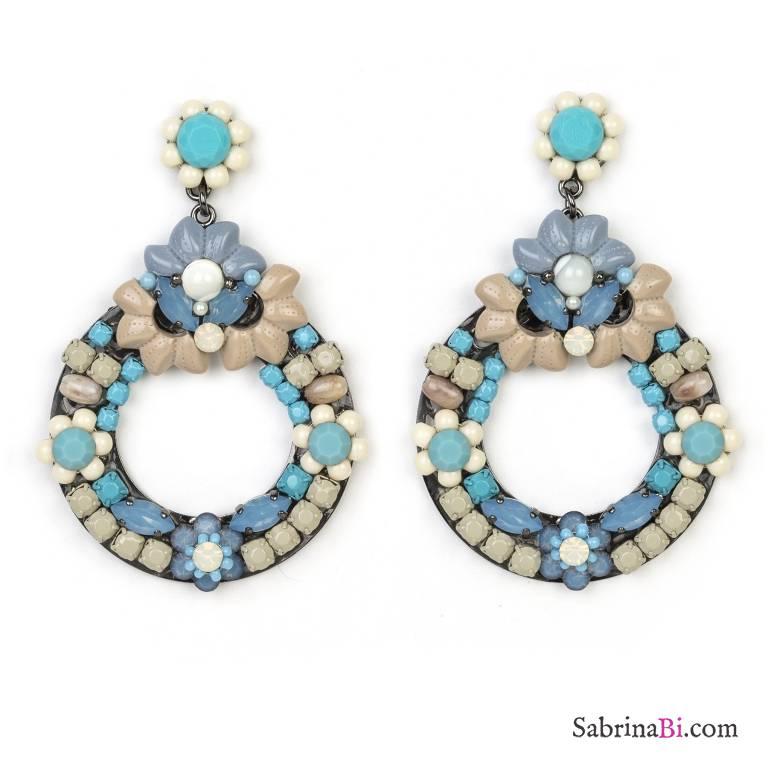 Orecchini a cerchio con perle azzurre e tortora